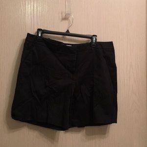 Worthington Black Shorts Size 16